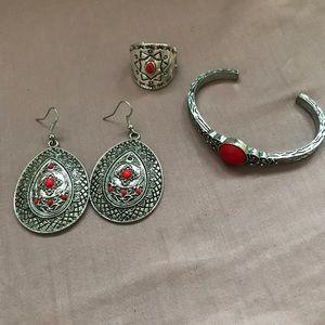 Jewelry - 3 piece Aztec inspired Jewelry set. Silver toned.